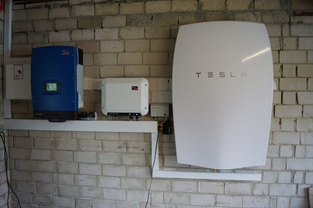 Tesla_01
